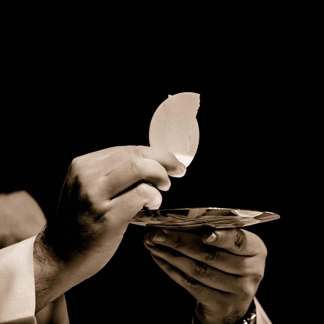 El Santo Rosario de los Jueves